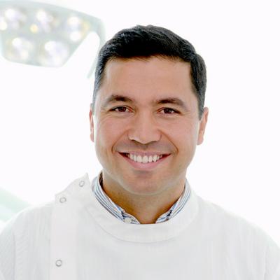 Dr. Roberto Henriques