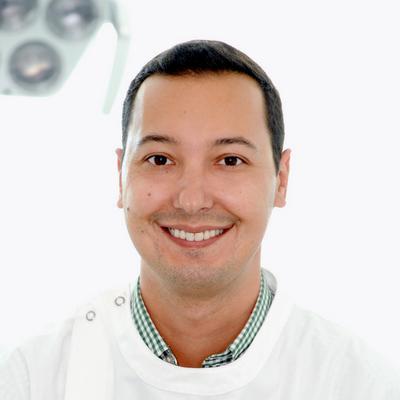 Dr. andré Carvalho